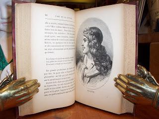 """"""" Il me semble que jusqu'à ce qu'un homme ait lu tous les livres anciens, il n'a aucune raison de leur préférer les nouveaux """" Montesquieu. Les lettres persanes."""